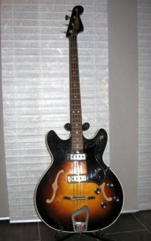 Hagstrom E-Bass Concord TS Halbresonanz
