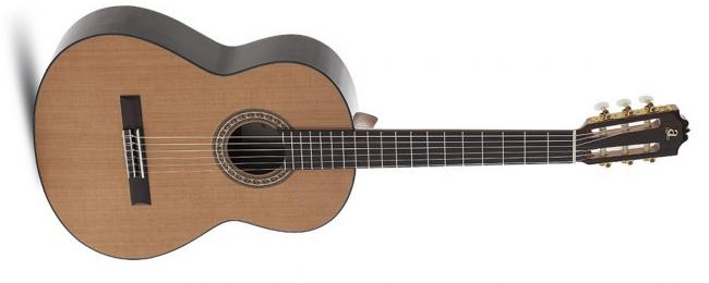 Admira A8 Handcrafted Konzertgitarre