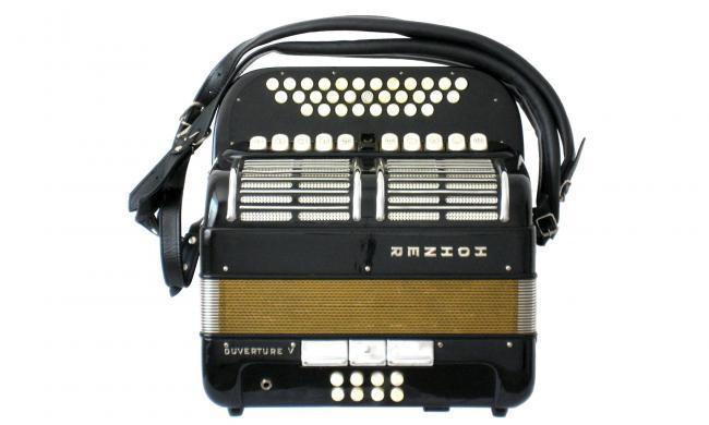 Hohner Ouverture V C/F Harmonika mit Mikrofon